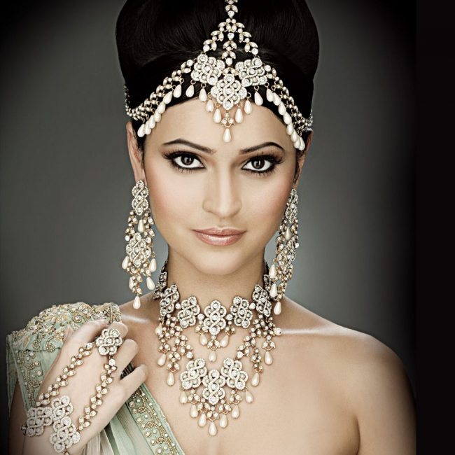Best Tips To Apply Asian Bridal Makeup