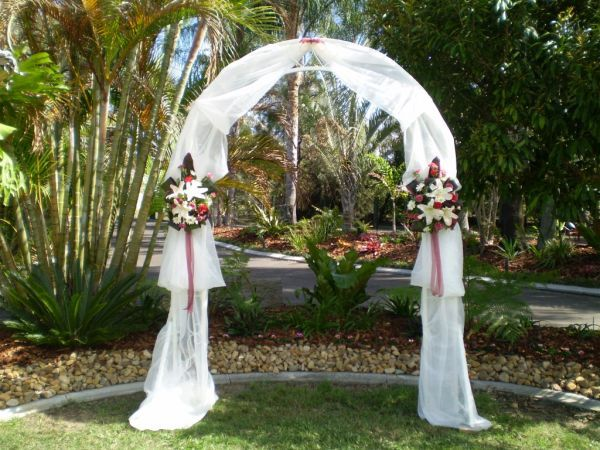 Tips for renting a perfect wedding arch