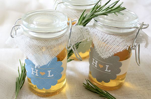 DIY Rosemary and honey jars wedding favors