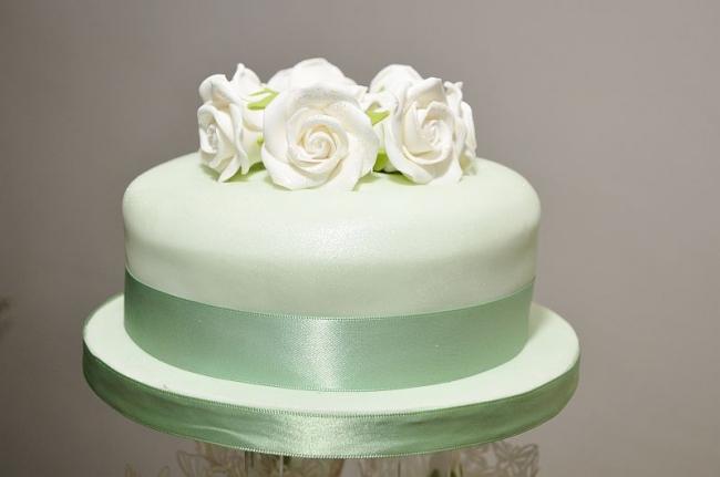 Frozen wedding cake