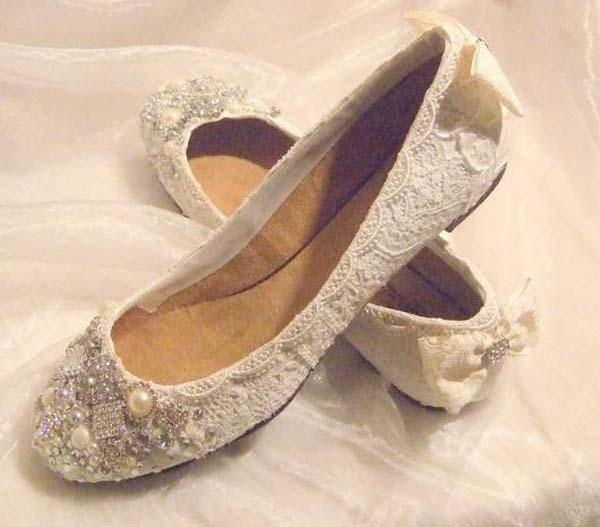 Bridal Shoes Low heel 2015 Flats Wedges PIcs in Pakistan Mid Heel ...