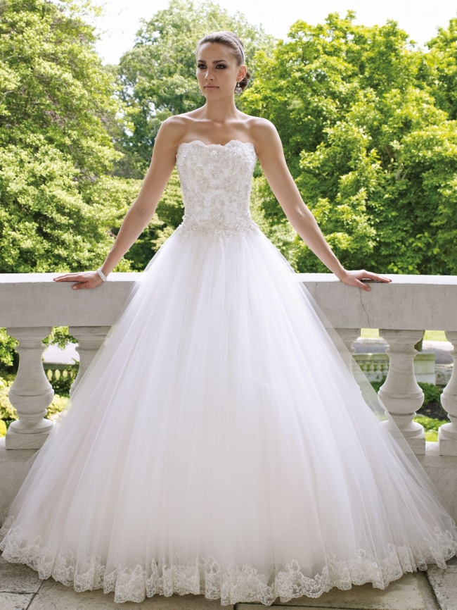 Tips to clean a wedding gown