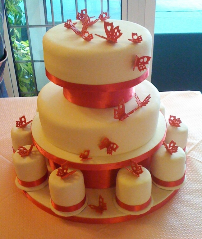 Mini wedding tier cake