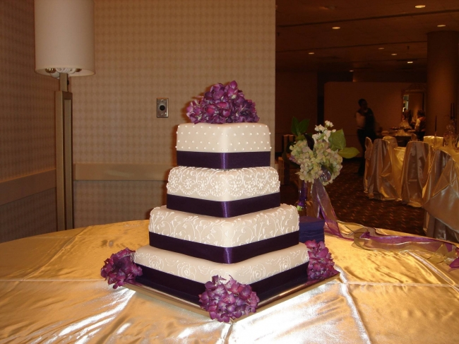 Rolled fondant wedding cakes