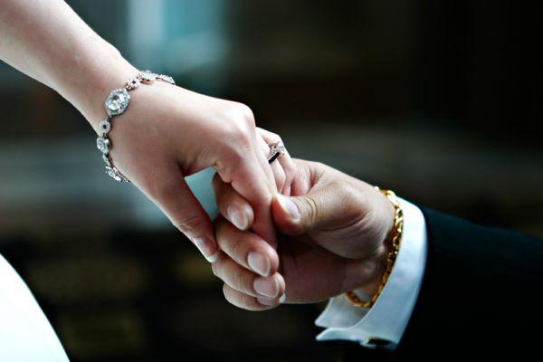 Make-A-Memory-Photography-Candice-Davidson-Niagara-Toronto-Hamilton-Cheap-Affordable-Wedding-Photography-Holding-Hands
