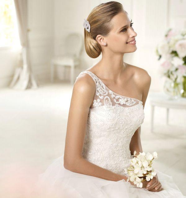 ball-gown-one-shoulder-chapel-train-ivory-wedding-dress-h2pn0226-c