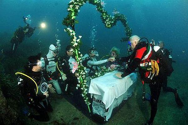 Largest Underwater Wedding