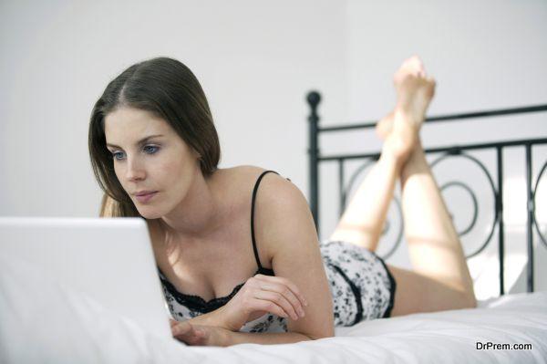 planning-a-wedding-online-1