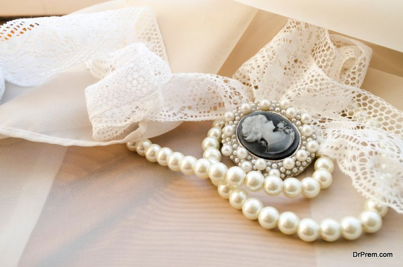 vintage Jewellery for your wedding
