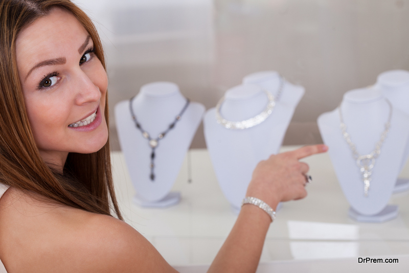 Buying-jewellery