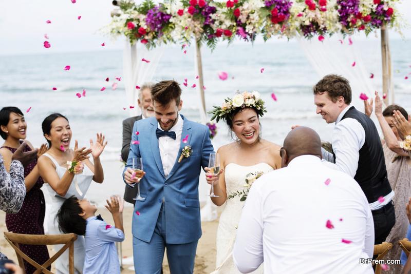 Plan-a-Grand-Wedding-on-a-Budget
