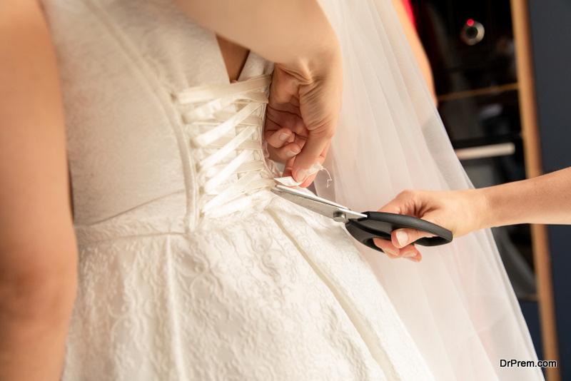 Repair of a wedding dress