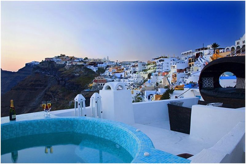 Santorini a Good Place to Get Married